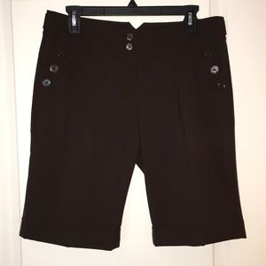 The Limited Drew Fit Bermuda Shorts!